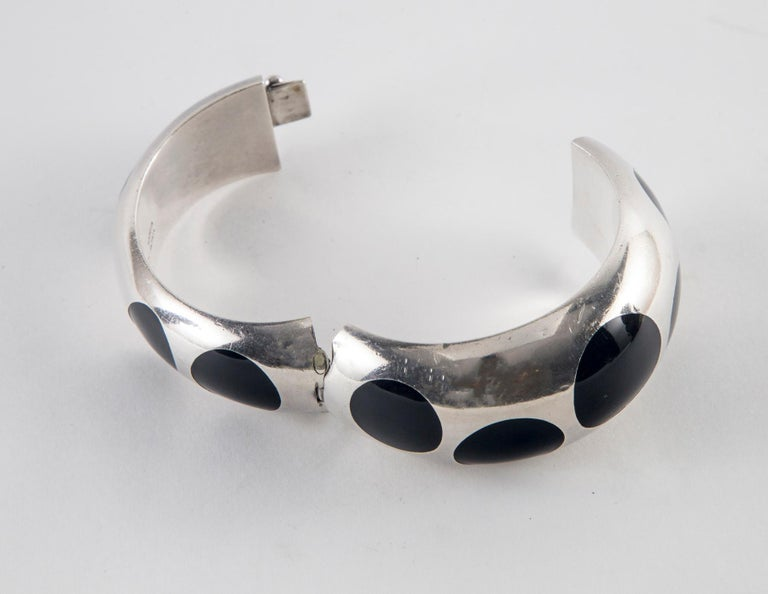 Taxco Sterling Silver and Black Bakelite Polka Dot Bracelet For Sale 1