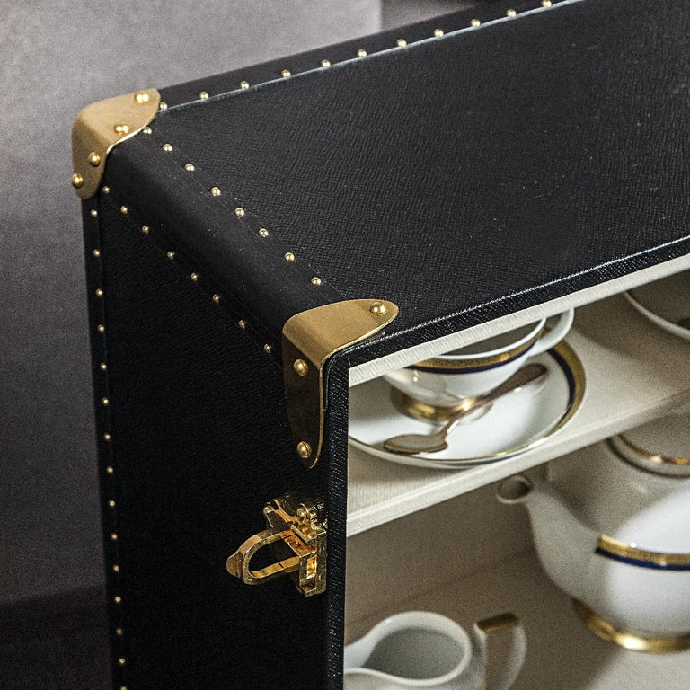 Tea Set Trunk In New Condition For Sale In Milan, IT