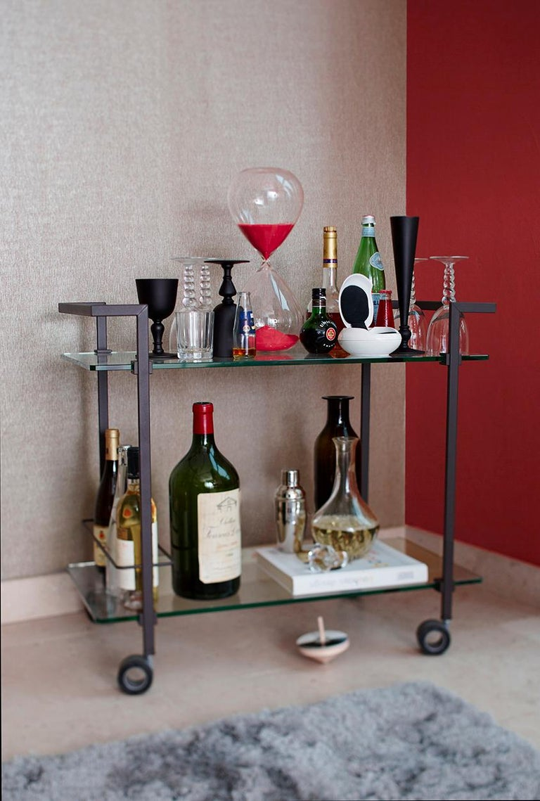 Doris Tea Trolley T63s, Stainless Steel mirror, Glass, Minimalist Style In New Condition For Sale In Swalmen, NL