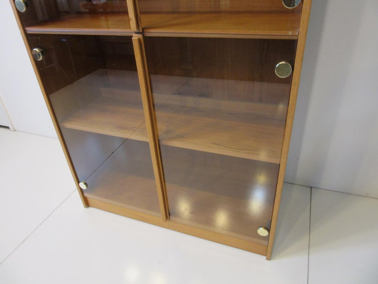 Teak and Glass Danish Styled Bookcase In Good Condition For Sale In Cincinnati, OH