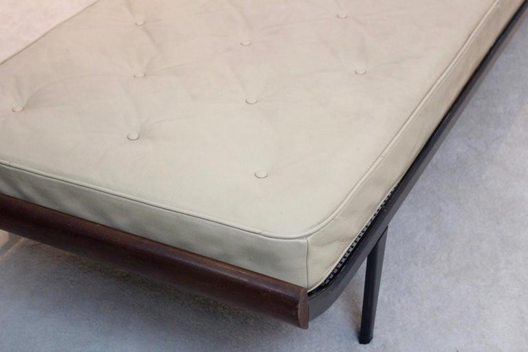 Teak Cleopatra Daybed with Original Leather Mattress by Cordemeijer for Auping For Sale 2