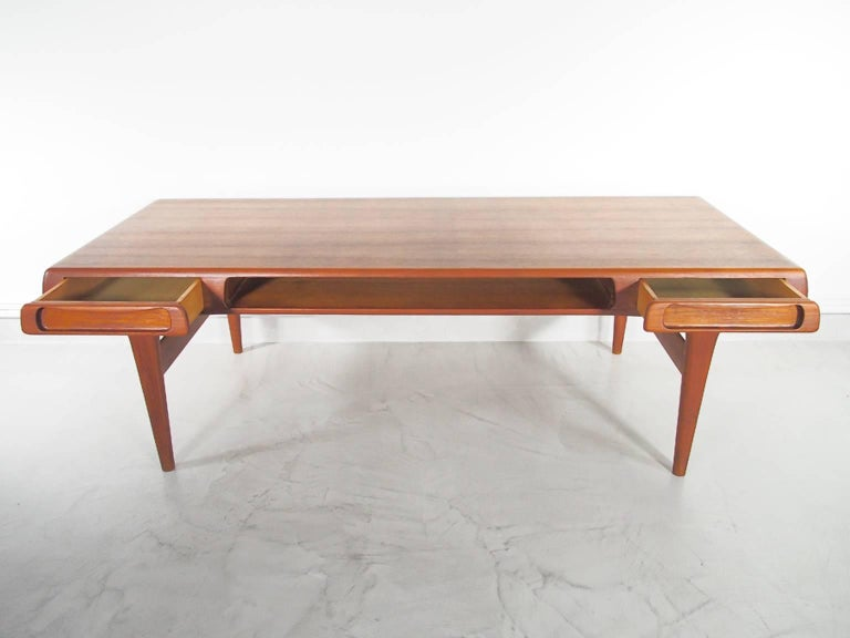 Scandinavian Modern Teak Coffee Table Attributed to Johannes Andersen For Sale