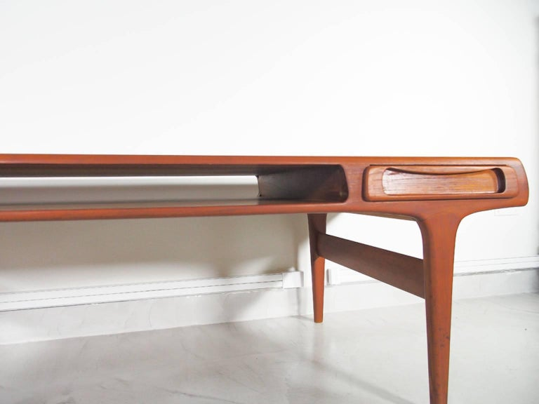 20th Century Teak Coffee Table Attributed to Johannes Andersen For Sale