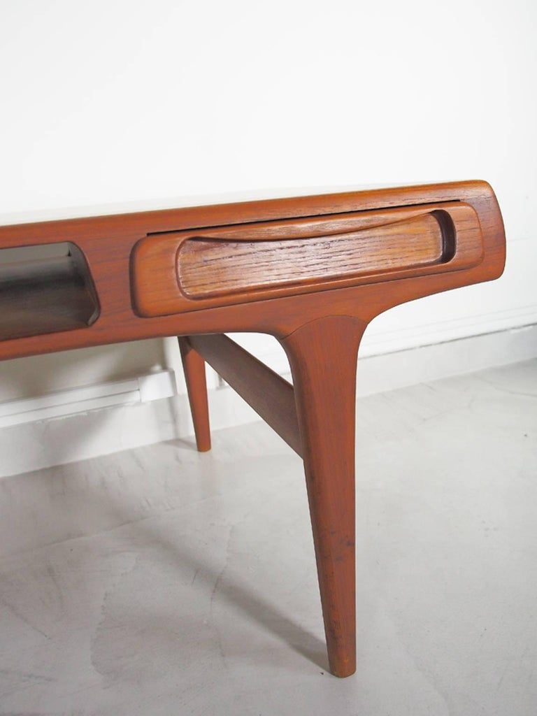 Teak Coffee Table Attributed to Johannes Andersen For Sale 1