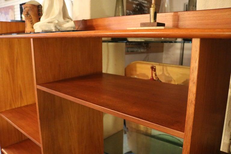 Teak Danish Bookshelf In Good Condition For Sale In Pasadena, CA