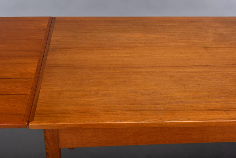 Teak Danish Mid-Century Modern Extendable Dining Table, 1960s For Sale 6