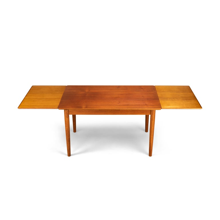 Teak Danish Mid-Century Modern Extendable Dining Table, 1960s In Good Condition For Sale In Teteringen, Noord-Brabant