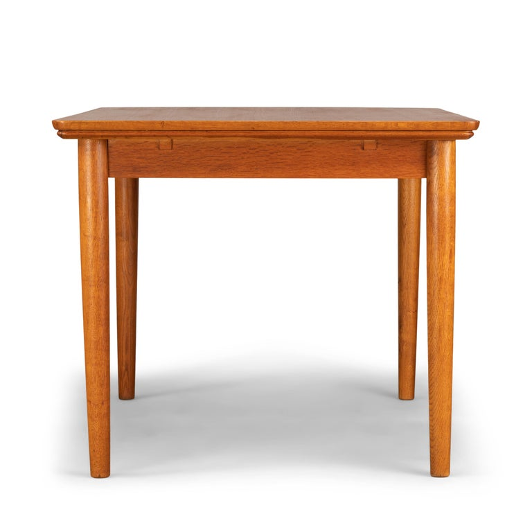 Teak Danish Mid-Century Modern Extendable Dining Table, 1960s For Sale 1