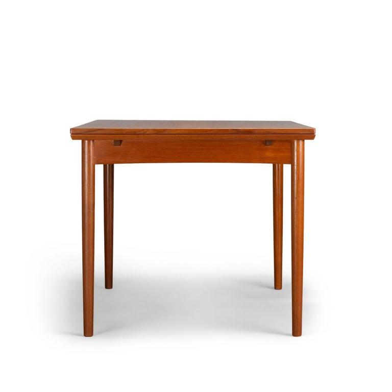 Teak Danish Mid-Century Modern Extendable Dining Table, 1960s For Sale 1