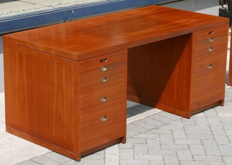 Mid-Century Modern Teak desk by Børge Mogensen for P. Lauritsen & Søn For Sale