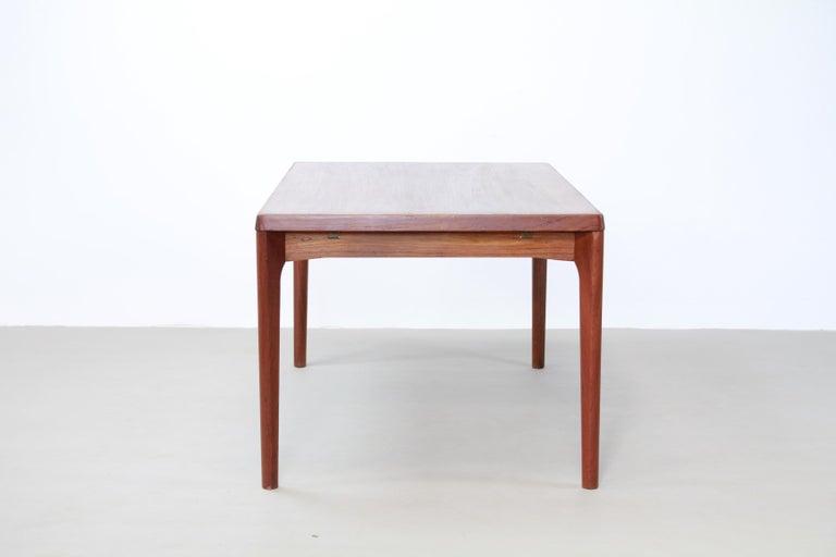 Scandinavian Modern Teak Dining Table with Extensions by Henning Kjærnulf for Vejle Møbelfabrik 1960 For Sale