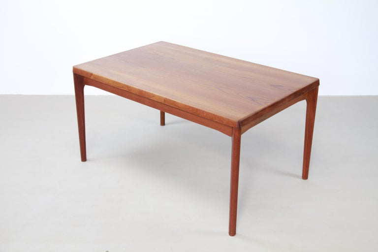 Teak Dining Table with Extensions by Henning Kjærnulf for Vejle Møbelfabrik 1960 In Good Condition For Sale In Amsterdam, Noord Holland