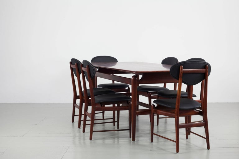 Set of Italian Dark Teak Wood Dining Table and 6 Chairs, 1950s In Good Condition For Sale In Wolfurt, AT