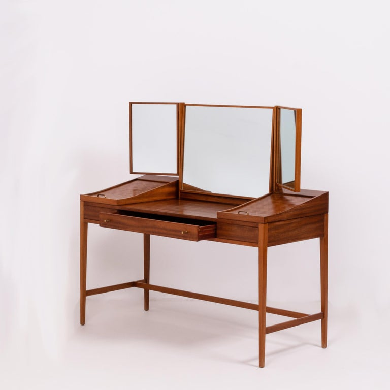 British Teak Dressing Table by Robert Heritage, 1960s For Sale