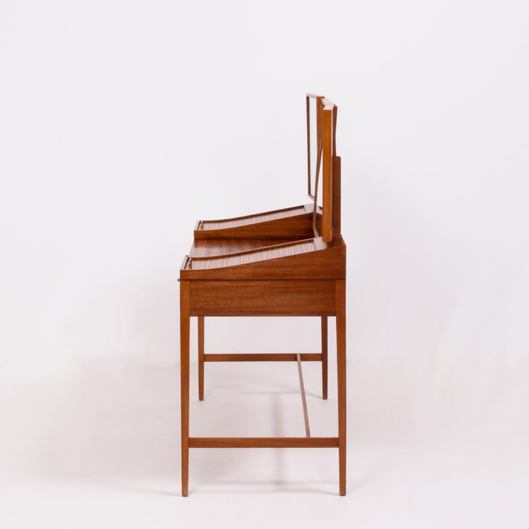 Teak Dressing Table by Robert Heritage, 1960s In Good Condition For Sale In London, GB