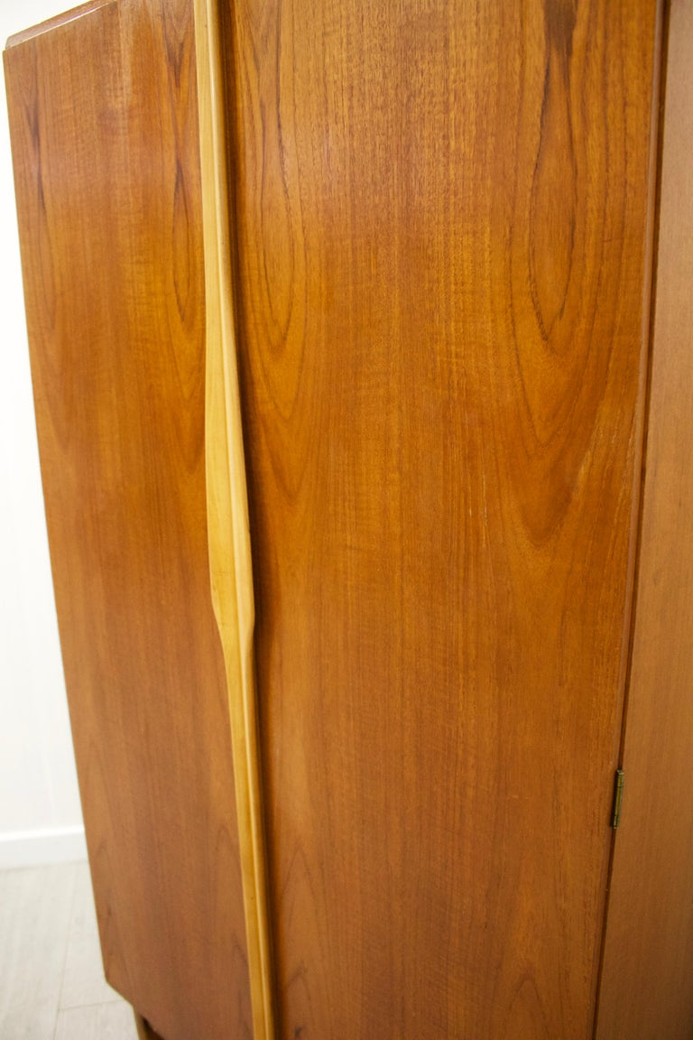 Teak Gentlemans Wardrobe from Stonehill, 1960s In Good Condition For Sale In South Shields, Tyne and Wear