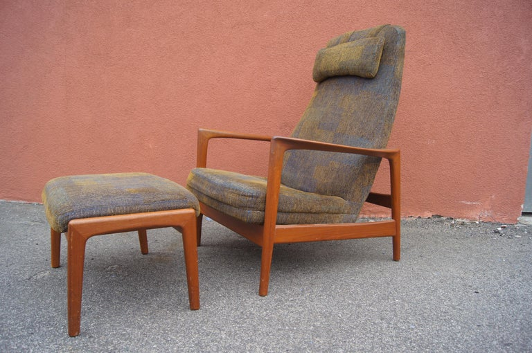 Scandinavian Modern Teak Lounge Chair and Ottoman by Folke Ohlsson for DUX For Sale