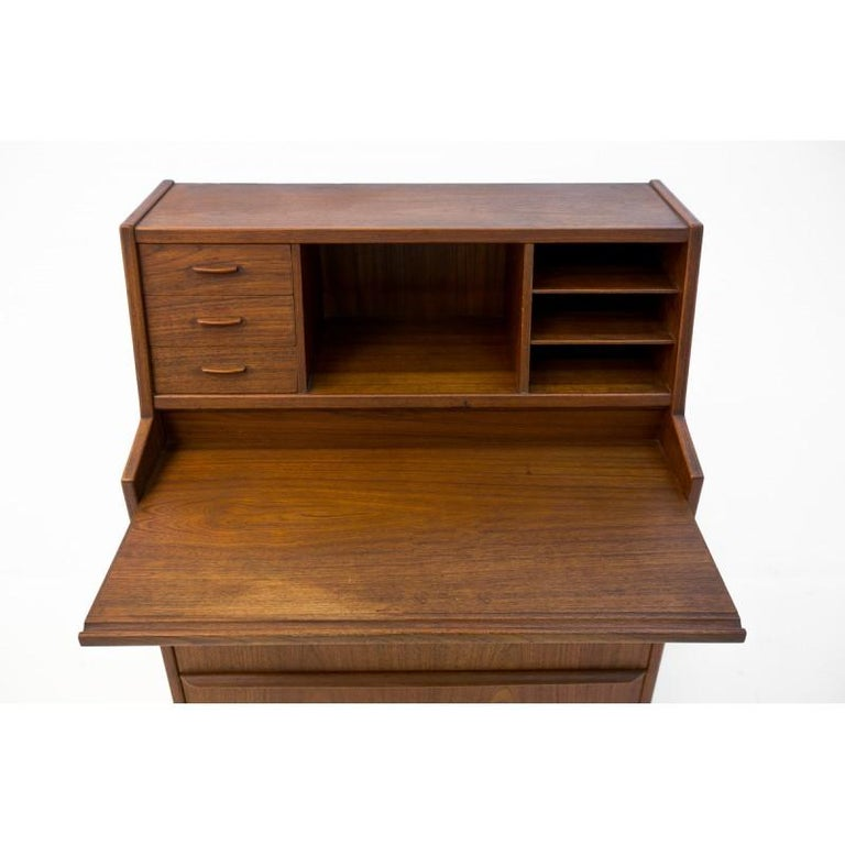 Teak Secretary Desk, Scandinavian Modern, Skrillinge Møbelfabrik, 1960s In Good Condition For Sale In Chorzów, PL