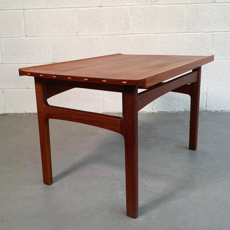 Scandinavian Modern Teak Side Table by Tove & Edvard Kindt-Larsen for DUX For Sale