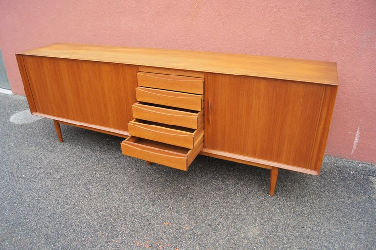 Teak Sideboard, Model 76, by Arne Vodder for Sibast In Good Condition For Sale In Boston, MA