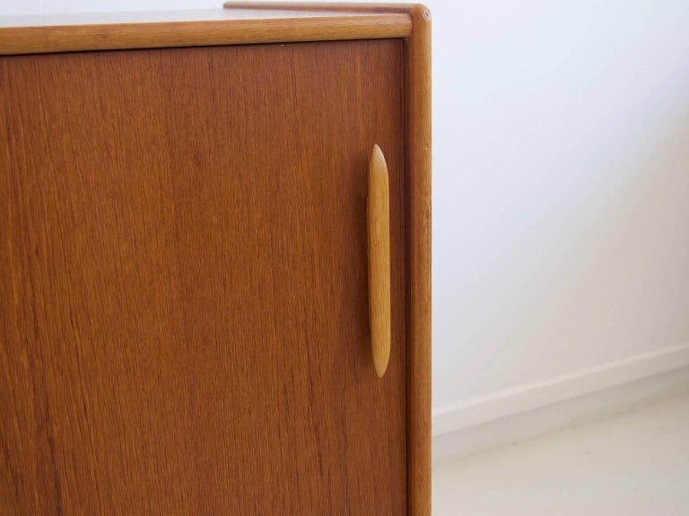 Teak Sideboard with Sliding Doors and Drawers In Good Condition For Sale In Madrid, ES