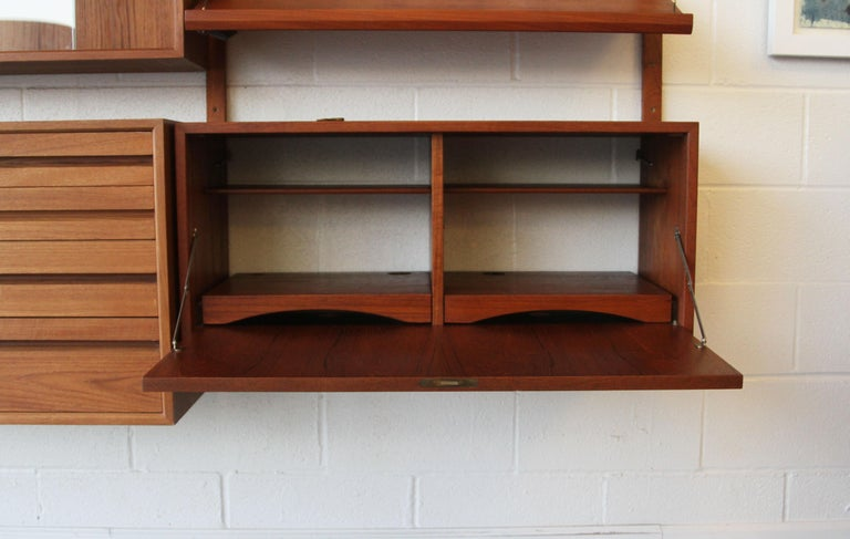Teak Wall System Unit by Poul Cadovius for Cado In Good Condition For Sale In St. Louis, MO