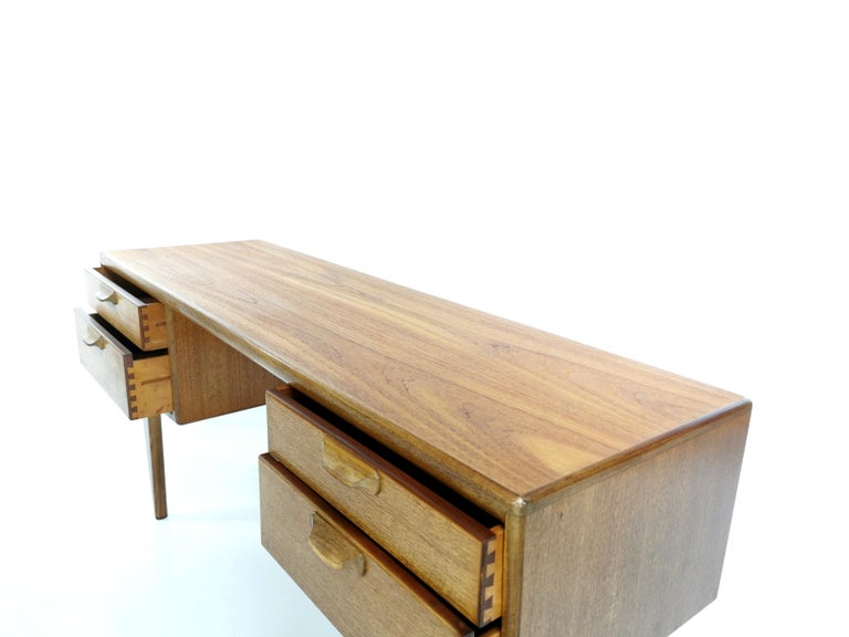 Teak Writing Desk Midcentury Vintage, 1960s-1970s In Good Condition For Sale In STOKE ON TRENT, GB