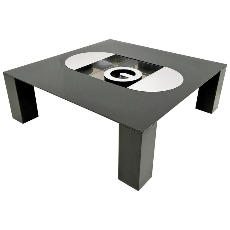 This is an elegant and sculptural squared coffee table mod. TEBE designed by Giovanni Offredi and produced by Saporiti, Italy, 1970s.