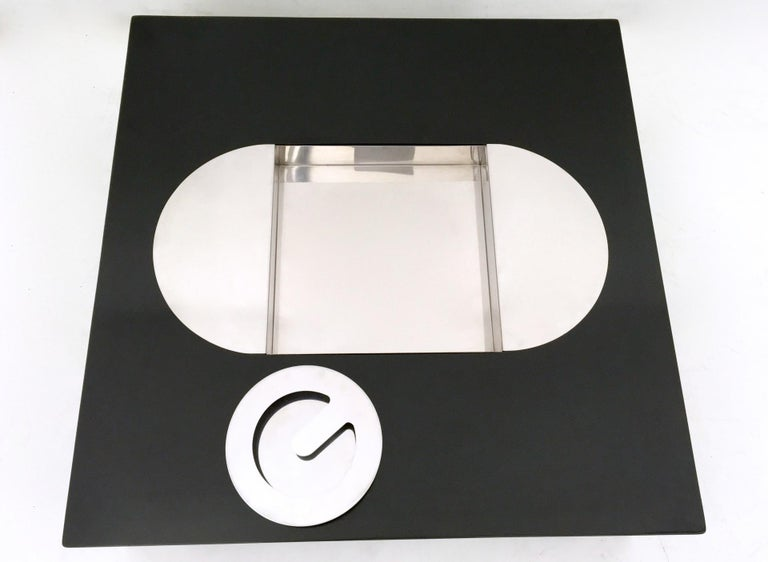 Lacquered Tebe Coffee Table with Ashray by Giovanni Offredi Produced by Saporiti, 1970s For Sale