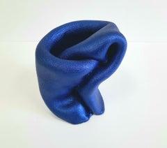 Sinuosity mini in Dark Blue  (pop slick metallic smooth small sculpture abstract