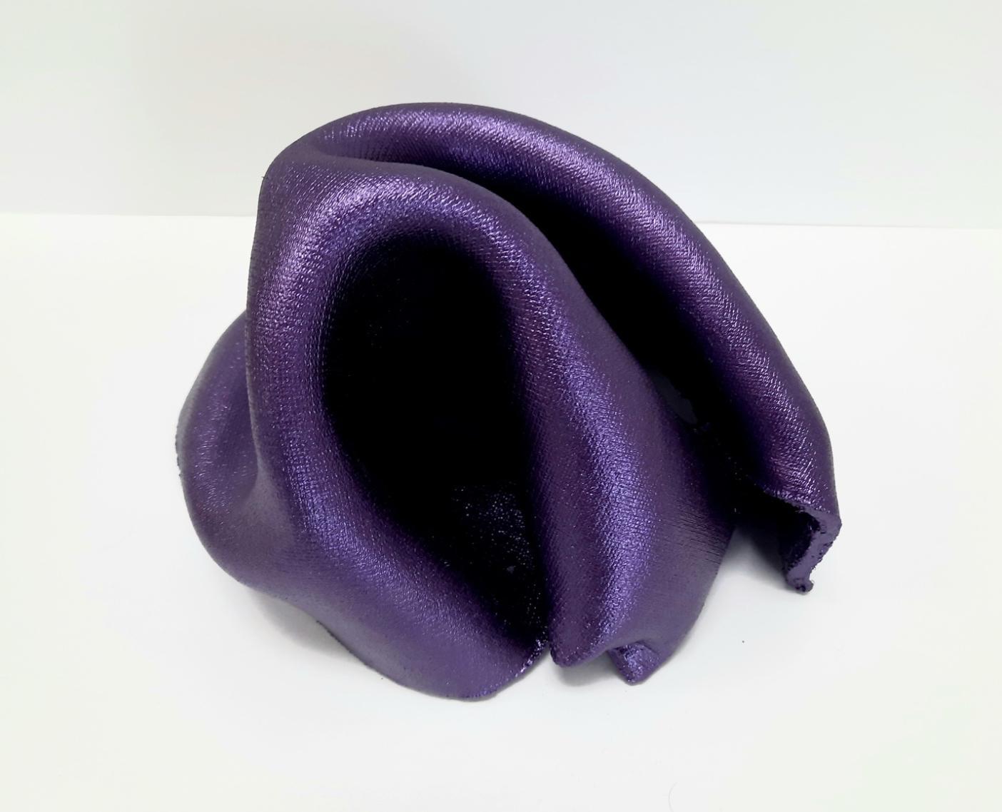 Sinuosity mini in Purple  (pop metallic smooth small sculpture abstract slick)