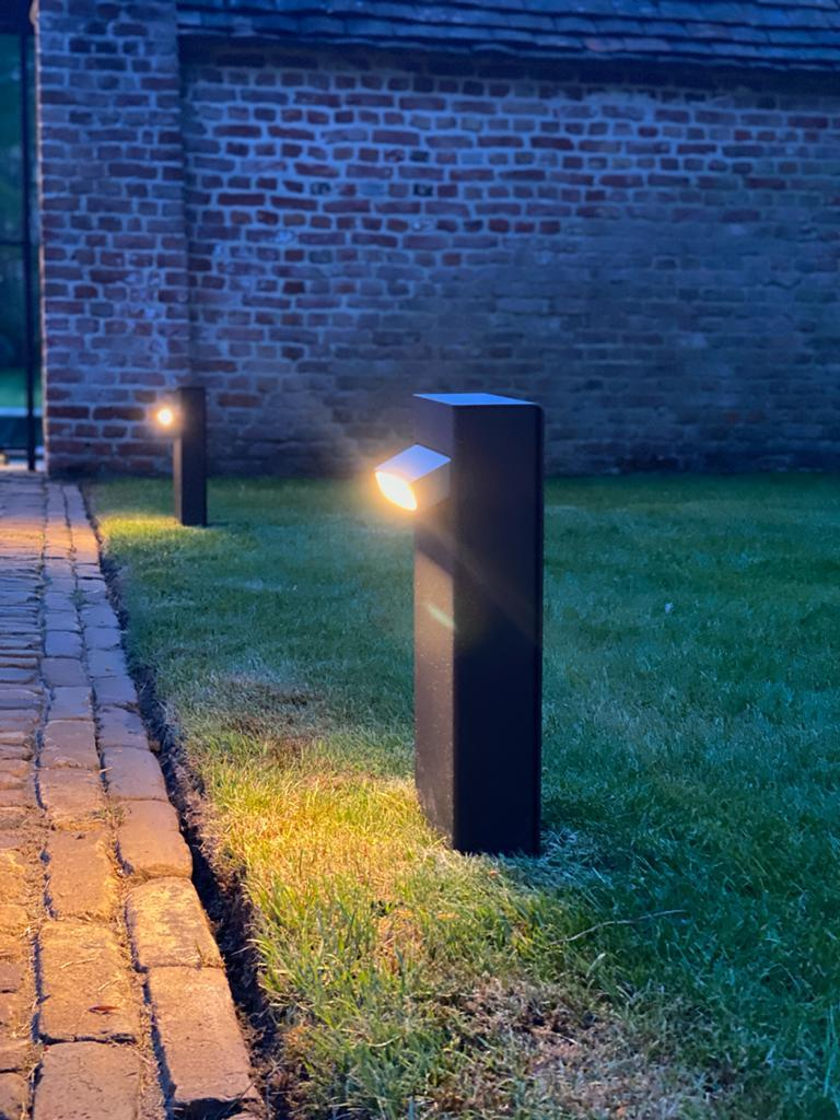 Modern Tekna Creed Post Path Light with Copper Finish For Sale