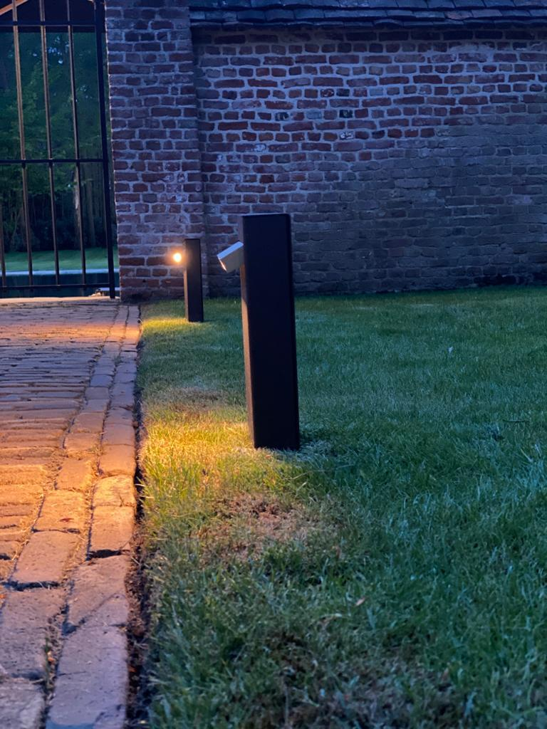 Frosted Tekna Creed Post Path Light with Copper Finish For Sale