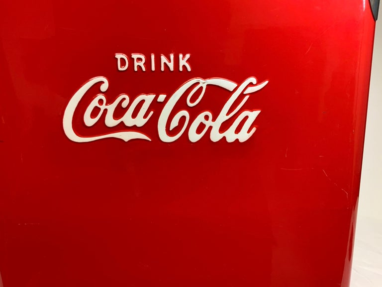Temprite Coca Cola Large Cooler In Good Condition For Sale In Guaynabo, PR