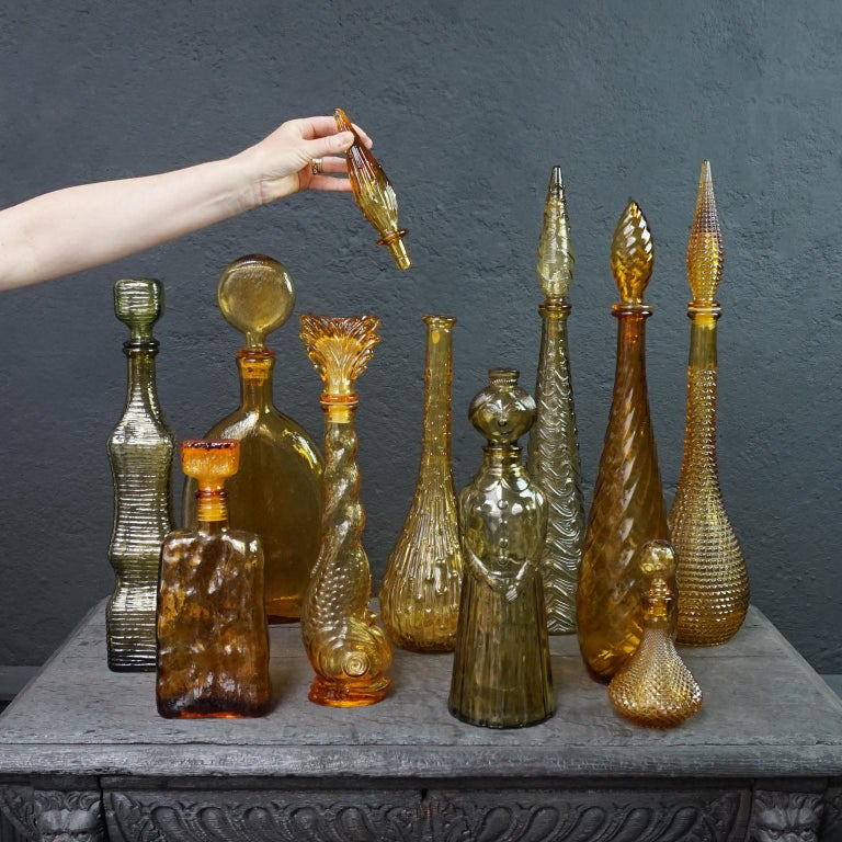 Ten 1960s Vintage Italian Amber Glass Empoli 'Genie' Decanters Liquor Bottles In Good Condition In Haarlem, NL