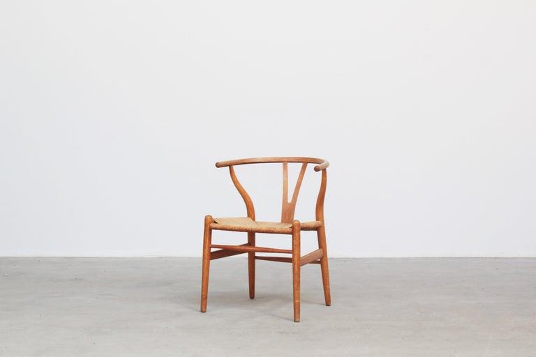 Ten Danish Vintage Wishbone Chairs CH 24 by Hans J. Wegner for Carl Hansen Oak In Good Condition For Sale In Berlin, DE