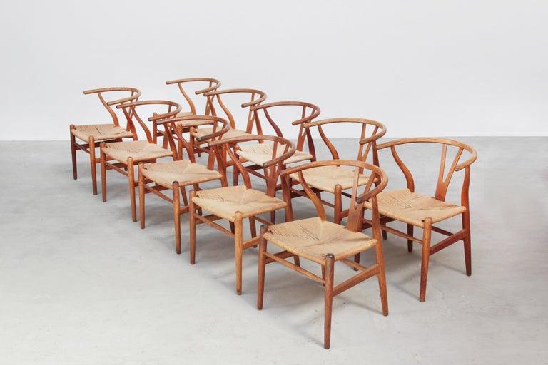 Ten Danish Vintage Wishbone Chairs CH 24 by Hans J. Wegner for Carl Hansen Oak For Sale 5