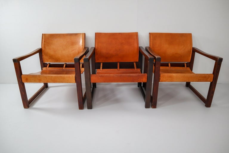 Ten Midcentury Safari Lounge Chairs in Patinated Cognac Saddle Leather, 1970s For Sale 8