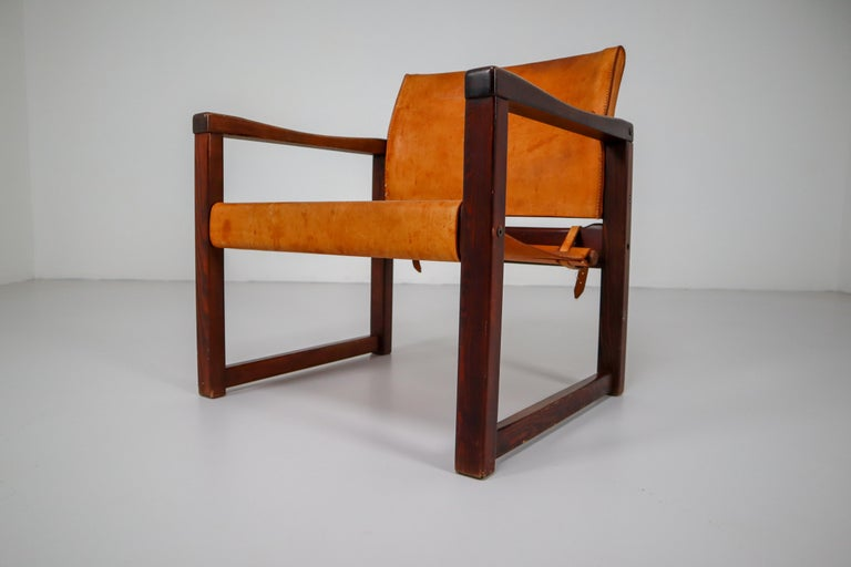 Ten Midcentury Safari Lounge Chairs in Patinated Cognac Saddle Leather, 1970s For Sale 11