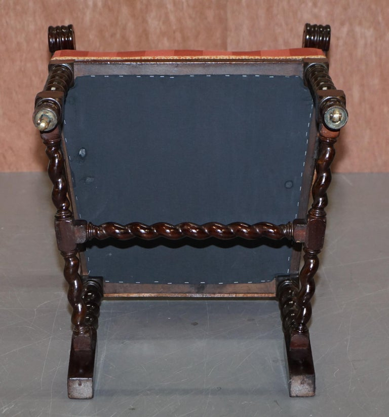 Ten Victorian 1880 Hand Carved Jacobean / Gothic Revival Oak Dining Chairs 10 For Sale 2