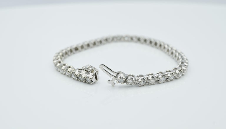 Round Cut Tennis Bracelet For Sale