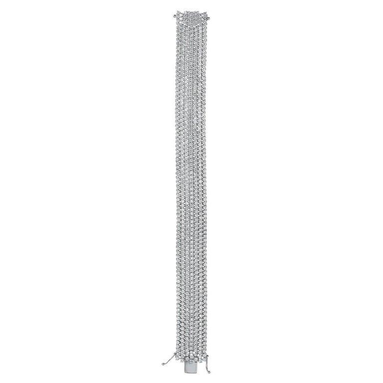 Round Cut Tennis Diamond Bracelet 13 Carats For Sale