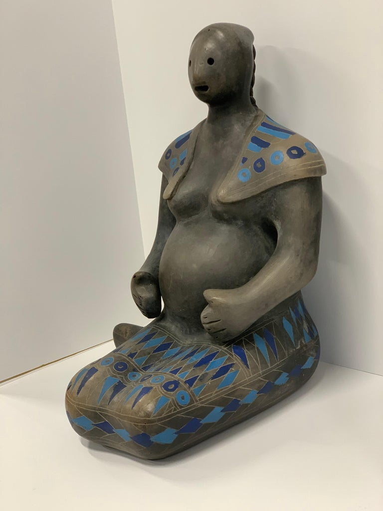 Teotihuacan Mexican Black Ware Pottery Figure In Good Condition For Sale In Palm Springs, CA