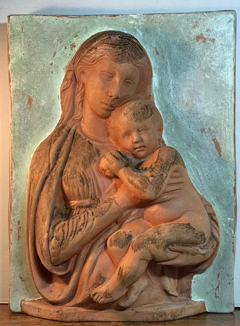 Terracotta Italian Sculpture of Mother and Child for Palmiery For Sale 9