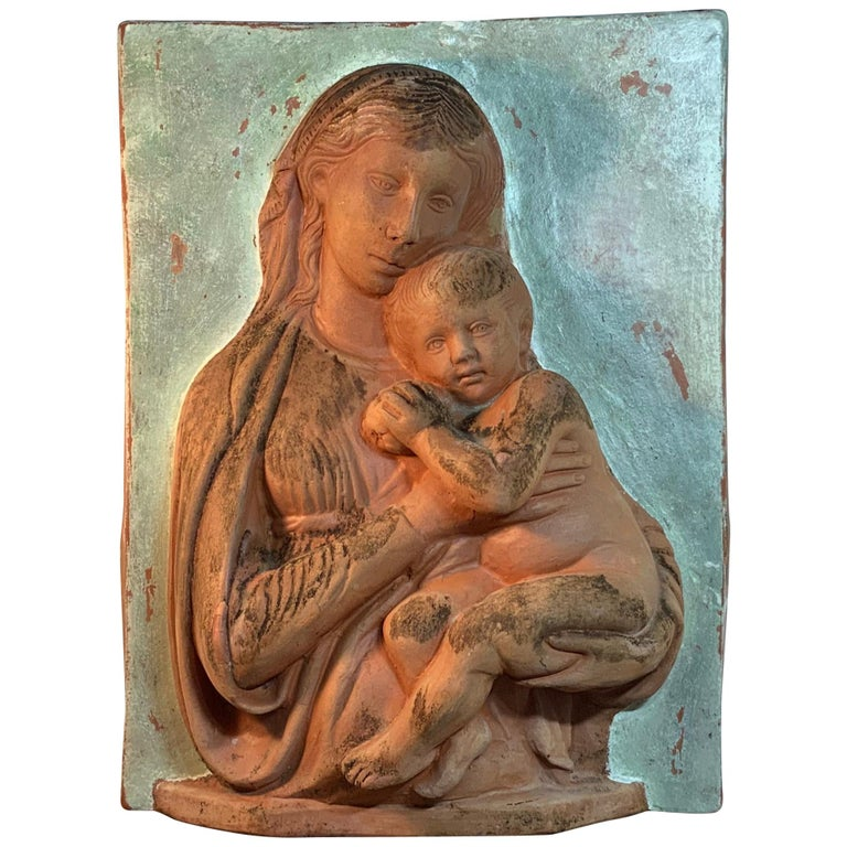 Terracotta Italian Sculpture of Mother and Child for Palmiery For Sale