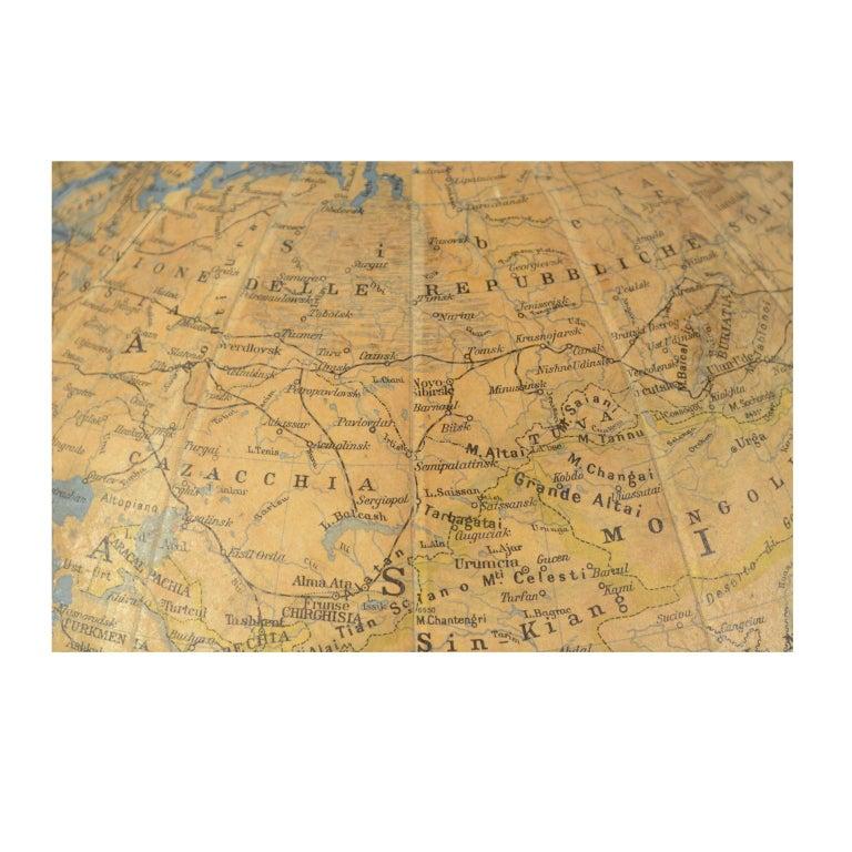 Antique Terrestrial Globe Walnut Base Published in 1950 by Vallardi Pubblisher For Sale 6