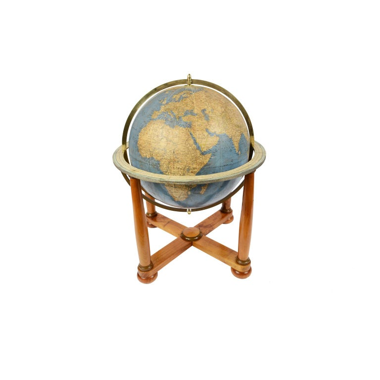 Mid-20th Century Antique Terrestrial Globe Walnut Base Published in 1950 by Vallardi Pubblisher For Sale