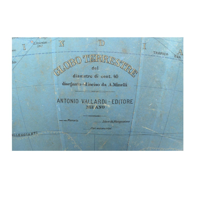 Antique Terrestrial Globe Walnut Base Published in 1950 by Vallardi Pubblisher For Sale 2