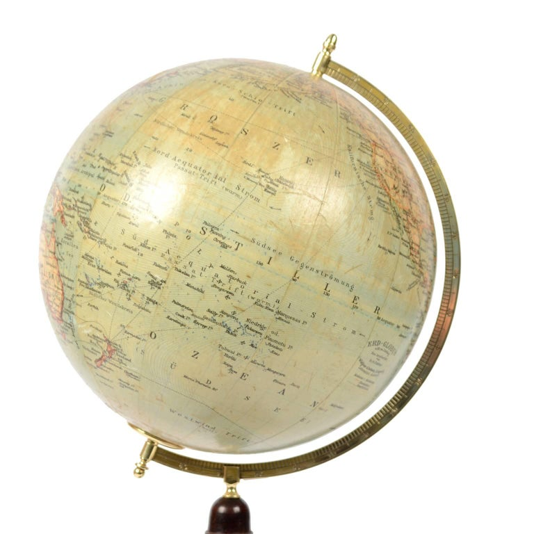 Terrestrial Globe Published in Leipzig, Second Half of the 19th Century In Excellent Condition For Sale In Milan, IT