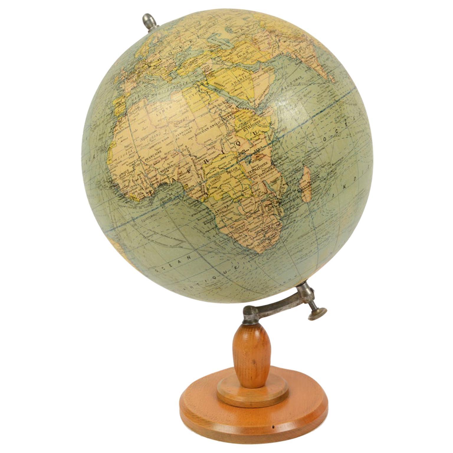 Antique Terrestrial Globe Published in 1940s by Girard Barrère et Thomas, Paris